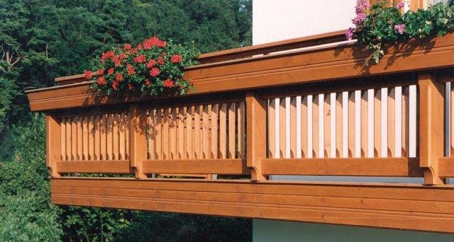 balkongelaender holz design brixen 3