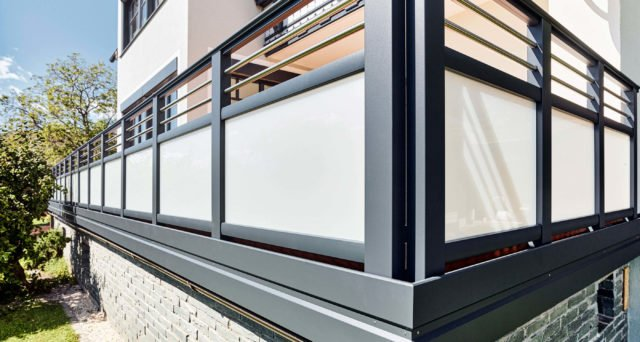 glas balkongelaender alu design vitro 24