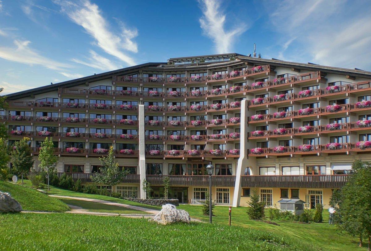 5 Sterne Interalpenhotel in Telfs mit Leeb-Balkongeländer