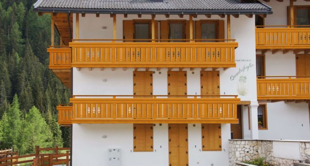 alu balkongelaender holzoptik finkenberg